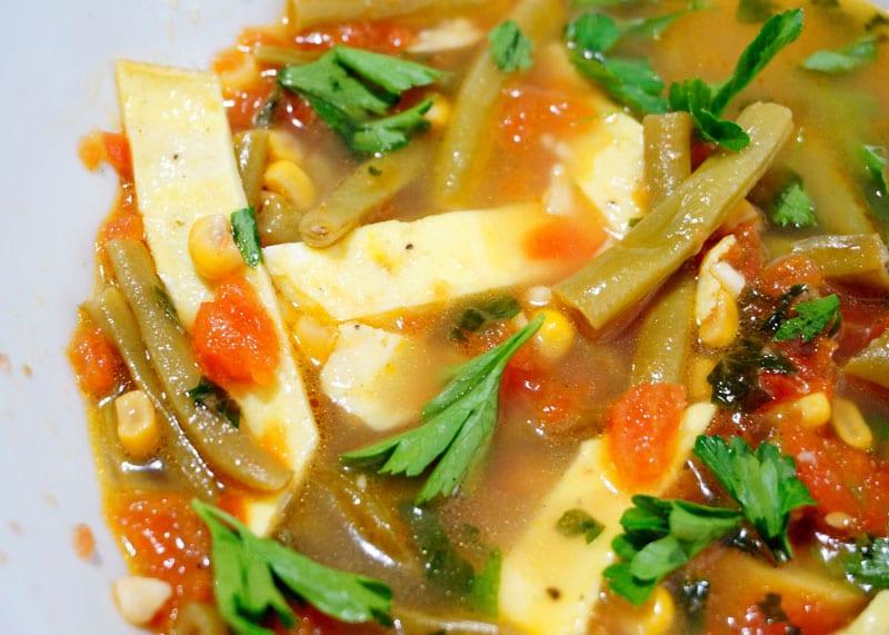 Мексиканский суп с помидорами фото