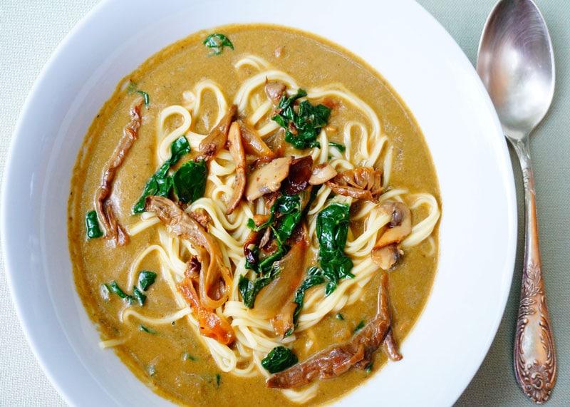 Рецепт супа из грибов и шпината фото
