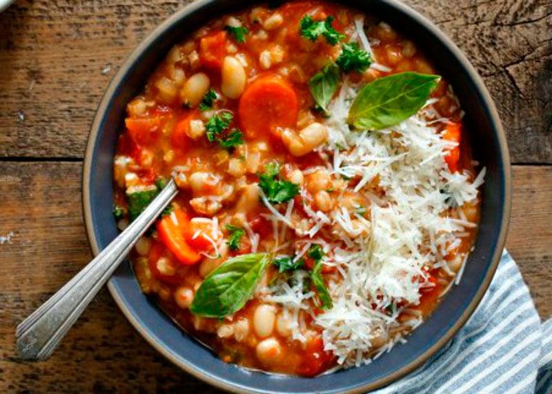 Суп с фарро и фасолью фото