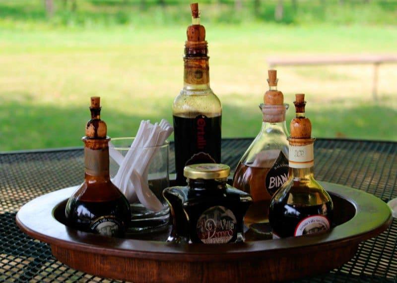 Бутылки с уксусом фото