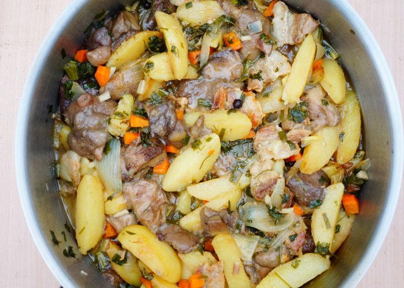 Жаркое из картофеля и грибов фото