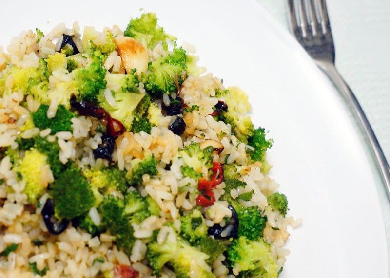 Рецепт риса с брокколи и зеленым луком фото