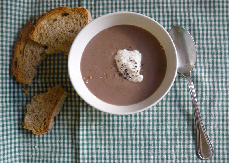 Суп из каштанов и фасоли фото