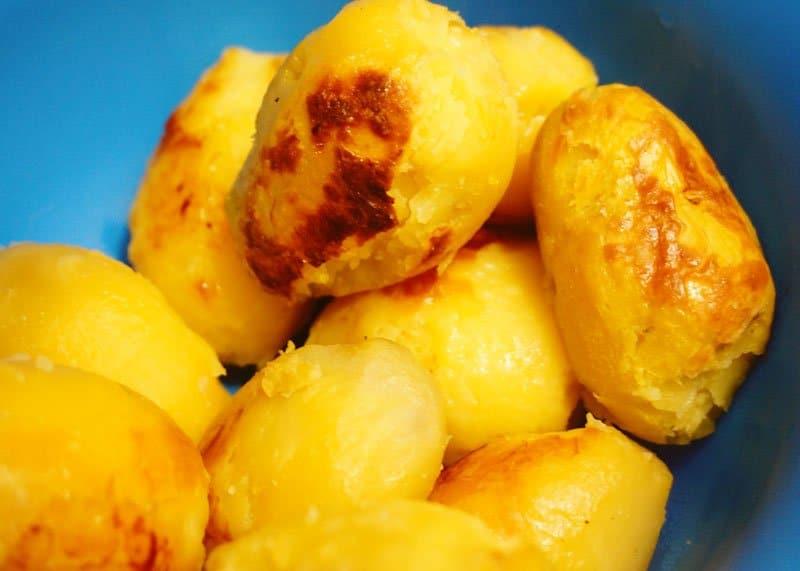 Картофельное пюре со сметаной и паприкой фото