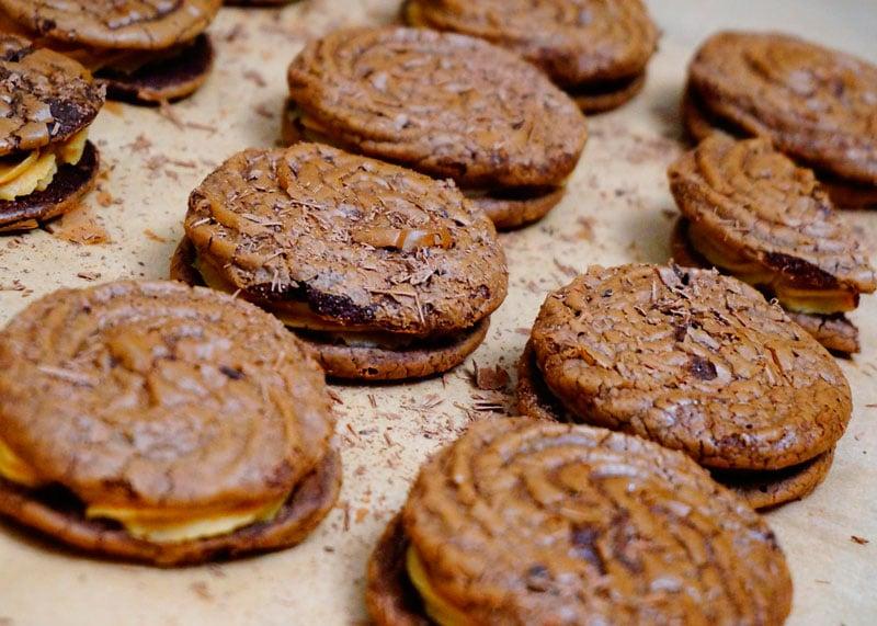 Печенье брауни с арахисовым кремом фото