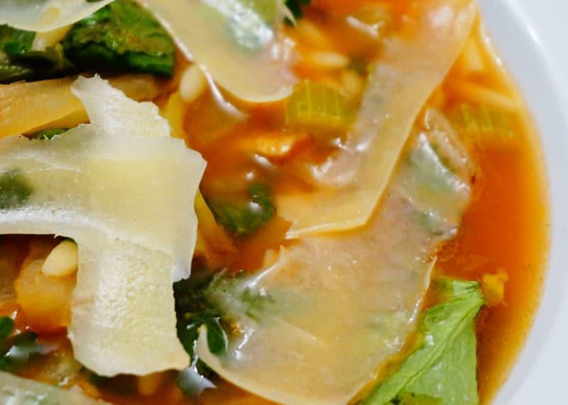 Рецепт приготовления супа с орзо и фенхелем фото