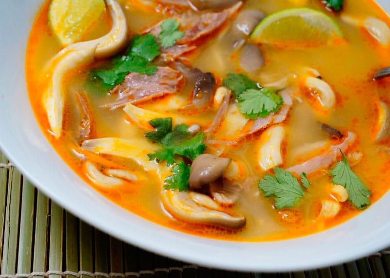 Суп Том Кха Гай фото