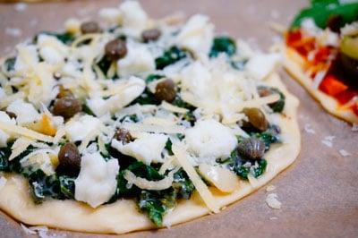 Пиццетта со шпинатом фото