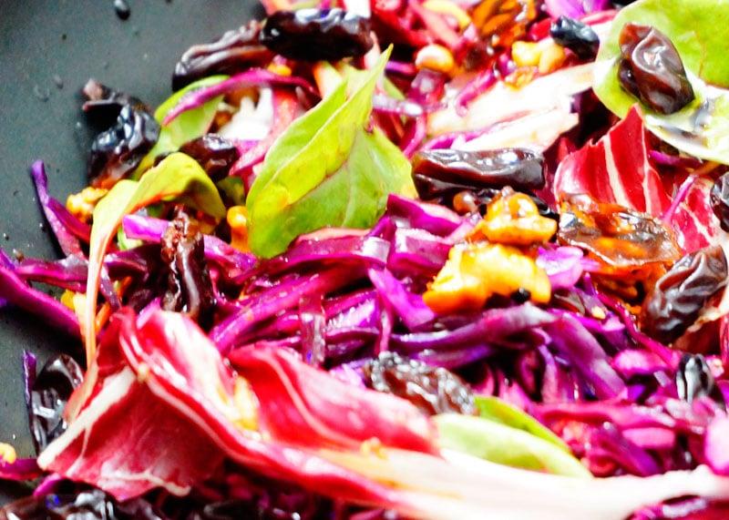 Салат из красной капусты и радичио фото