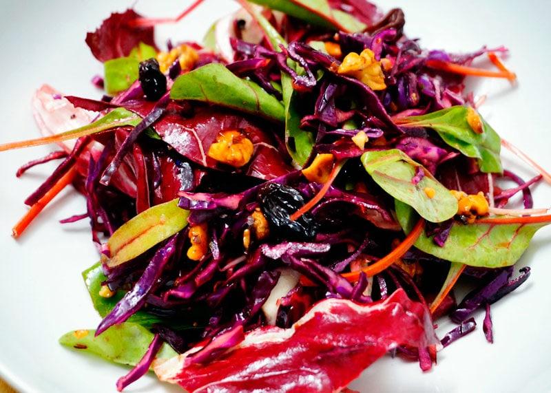 Рецепт салата из красной капусты и радичио фото