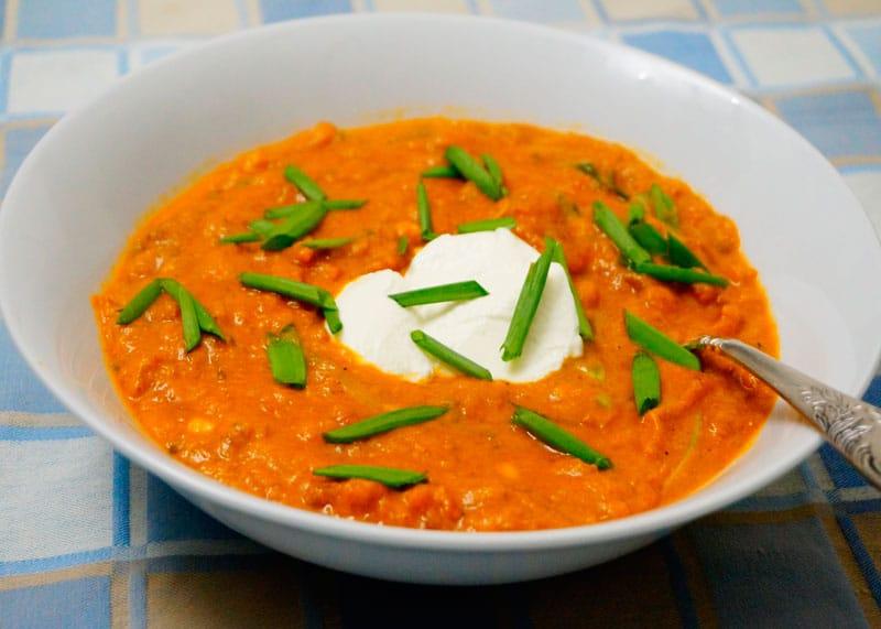 Томатный суп с фасолью и тыквой фото
