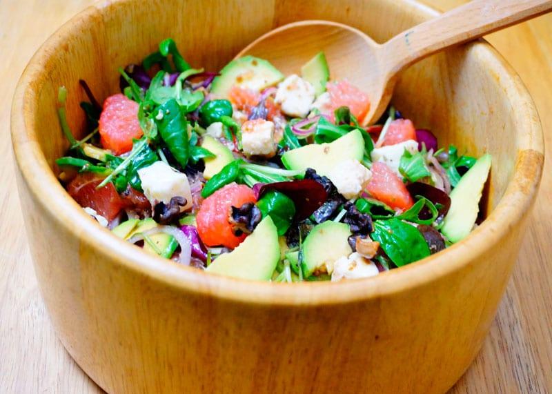 Салат из грейпфрута и авокадо фото