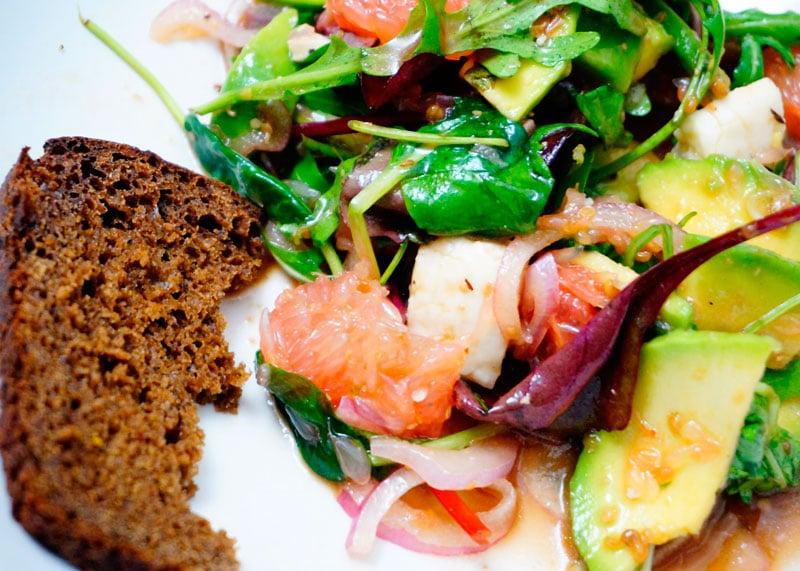 Салат из грейпфрута и авокадо рецепт фото