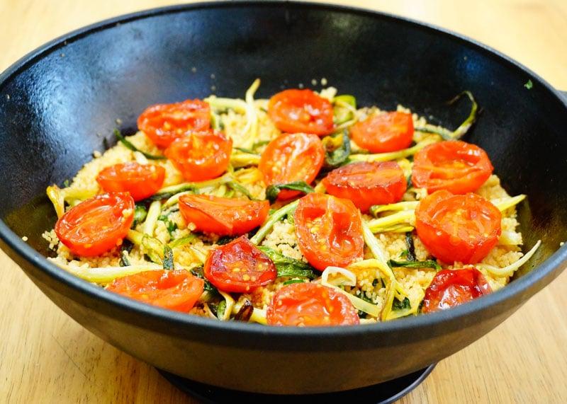 Кус-кус с помидорами черри фото