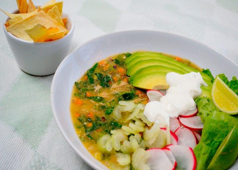 Мексиканский суп позоле верде фото