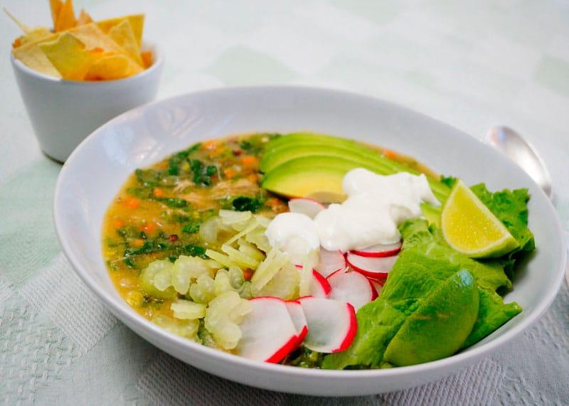 meksikanskij_zelenyj_sup_pozole_verde_foto3