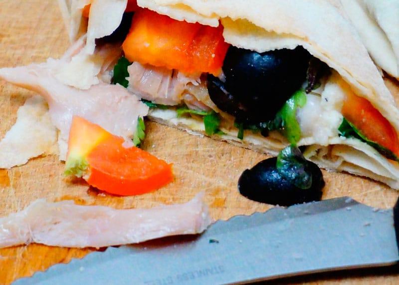 Роллы из лаваша с начинкой из курицы и сыра фото