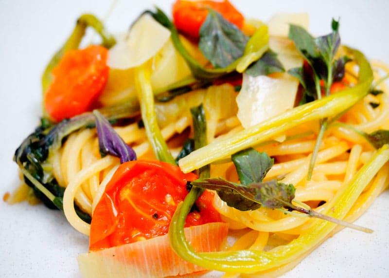 Спагетти с овощами фото