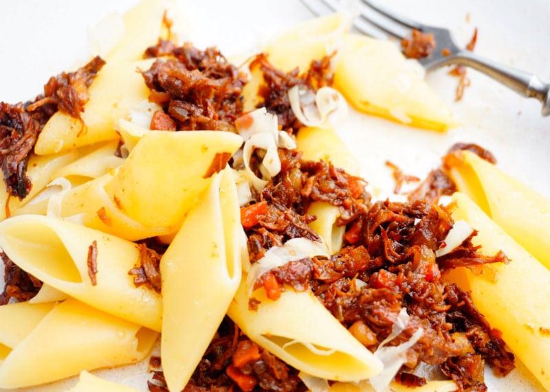 Паста с неаполитанским соусом рецепт фото