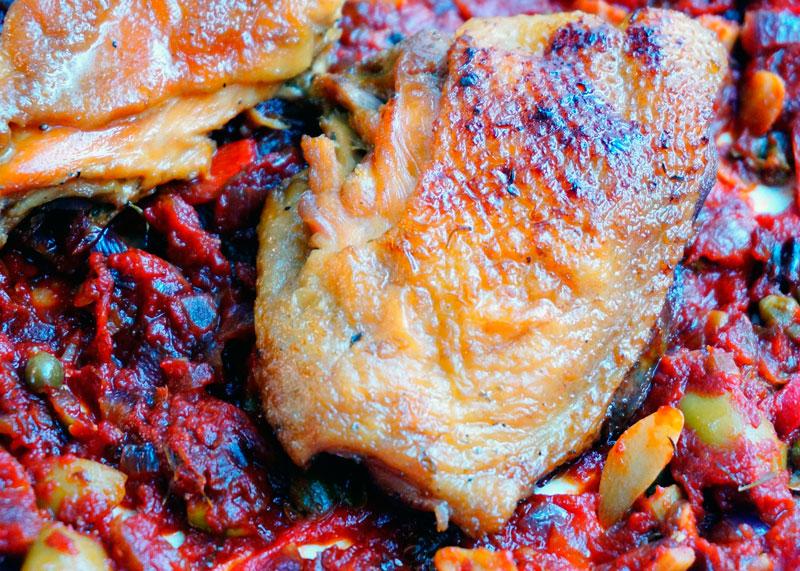 Цыпленок с сальсой Веракрус фото