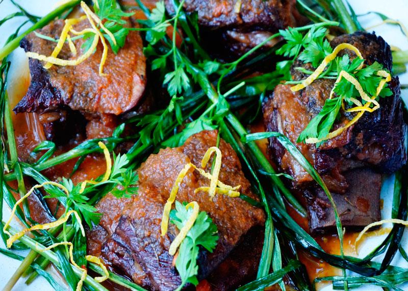 Рецепт говяжьи ребрышки с чесноком фото