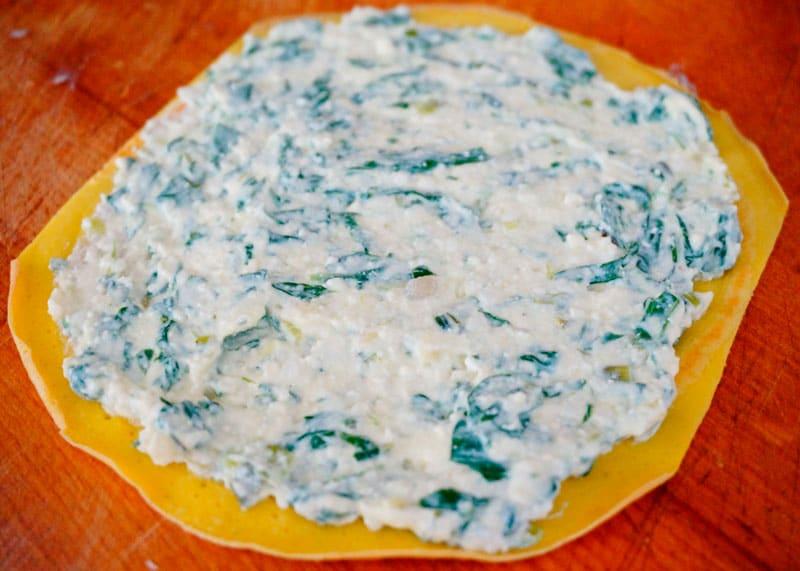 Маникотти с сыром и шпинатом фото
