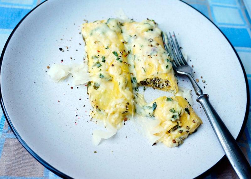 Маникотти с сыром и шпинатом приготовление фото