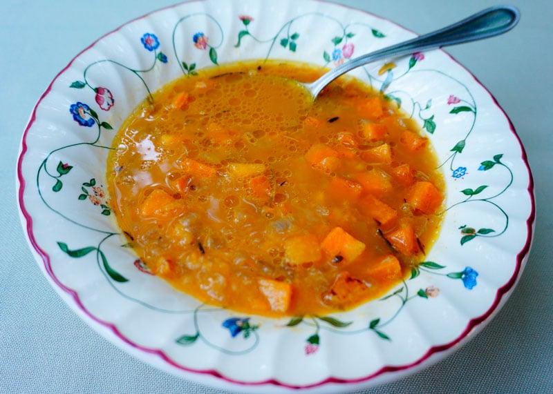 Суп из тыквы, белой фасоли и розмарина фото