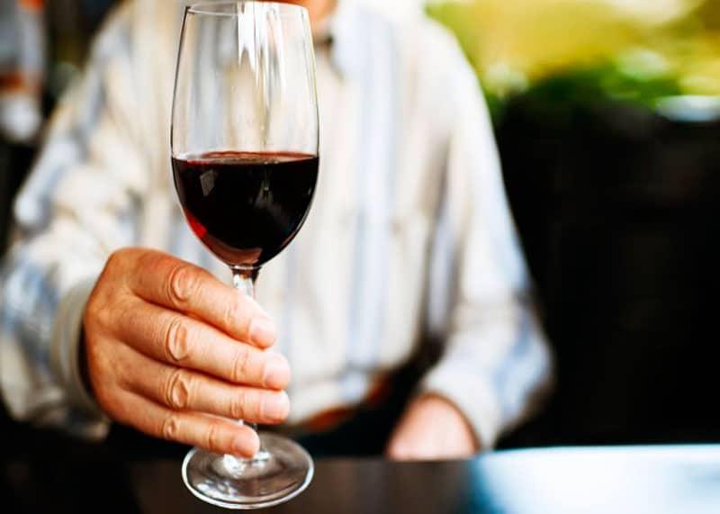 Полезные вещества в красном вине фото