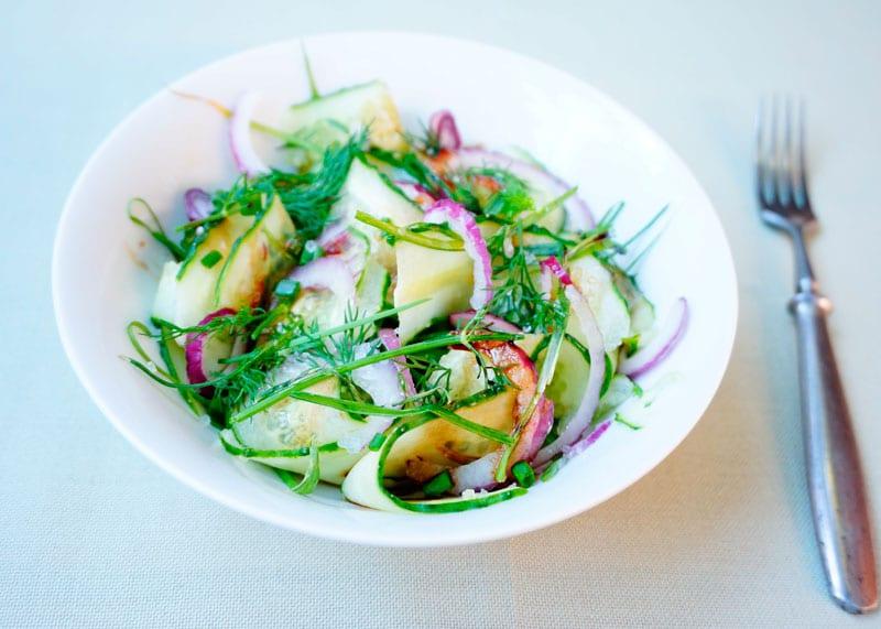 Рецепт огуречный салат с луком фото