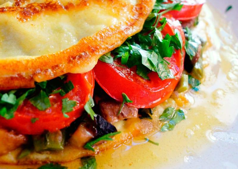 Омлет с овощным рагу рецепт фото