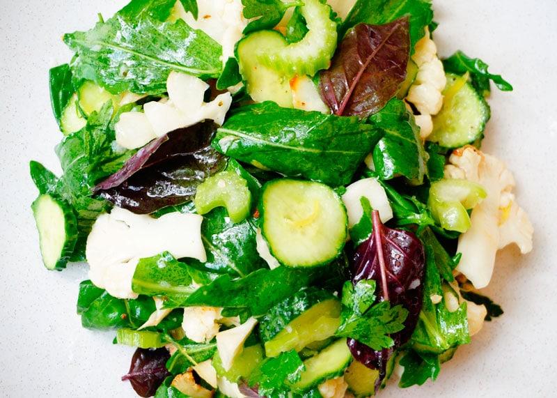 Рецепт Салат из цветной капусты и огурцов фото