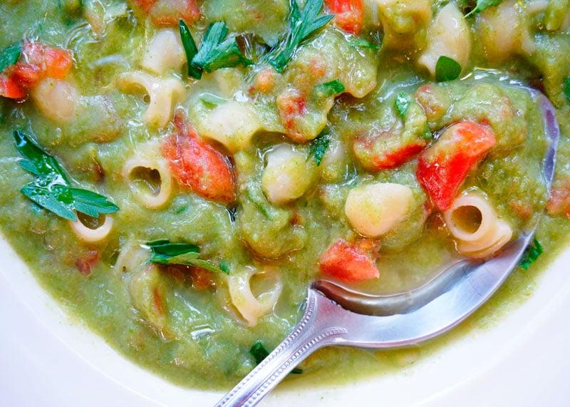 Суп пюре из корня сельдерея и помидоров фото