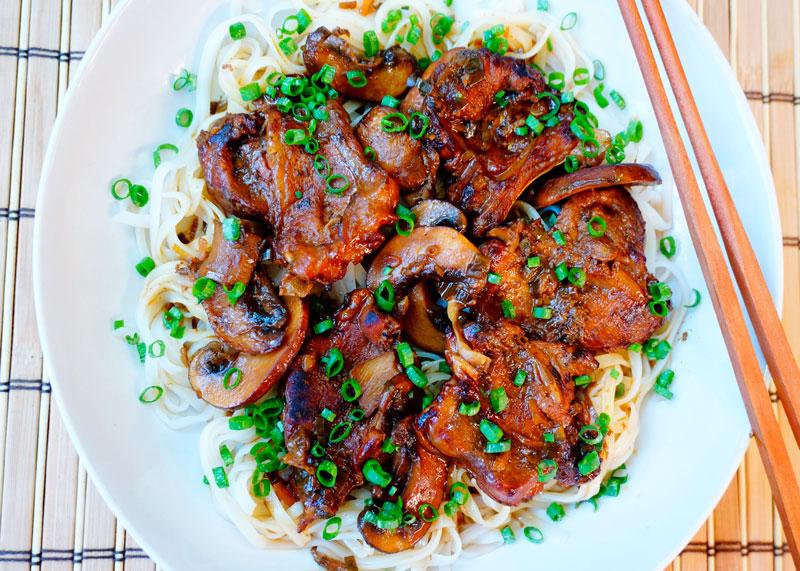 Телячьи ребрышки с грибным соусом рецепт фото
