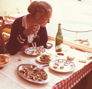Элизабет Дэвид в ресторане фото