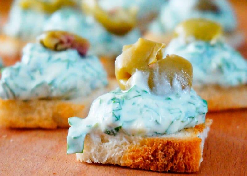 Канапе с крем-сыром и рукколой рецепт фото