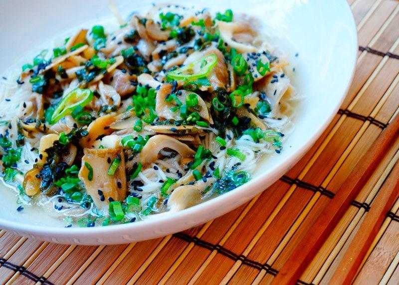 Рецепт лапша рамен с зеленым луком фото