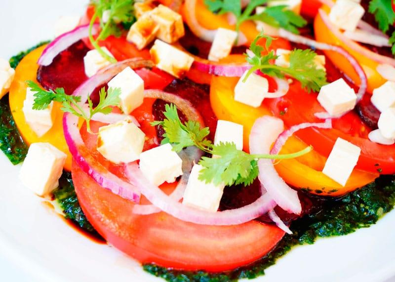 Салат из печеной свеклы фото