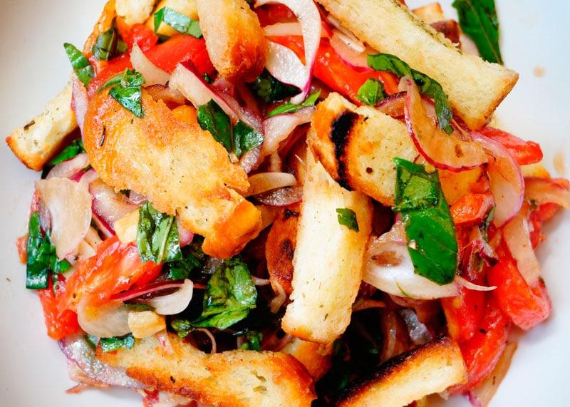Салат из розовых помидоров по-сицилийски фото