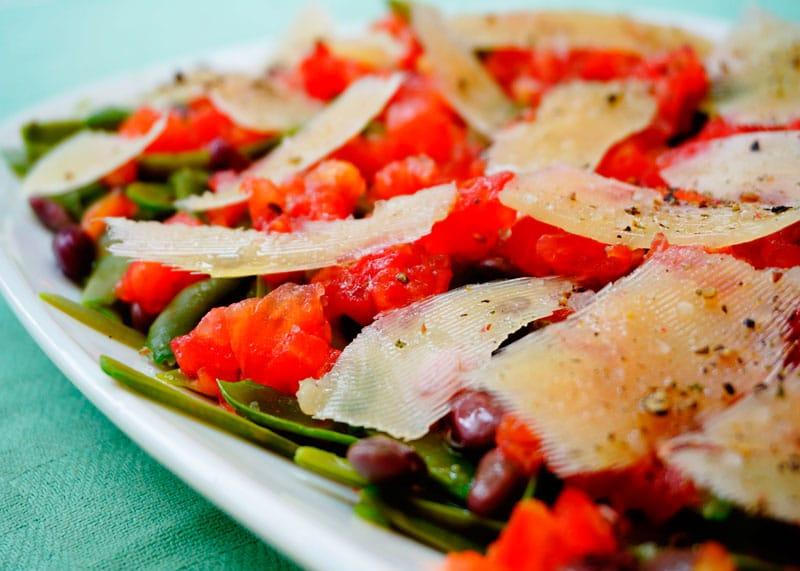 Салат из зеленой фасоли с помидорами приготовление фото