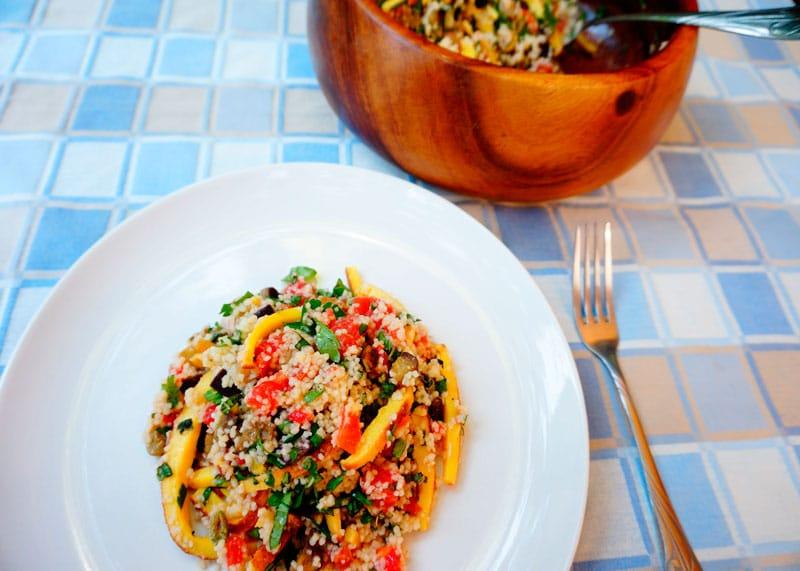 Теплый салат из кус-куса и омлета фото