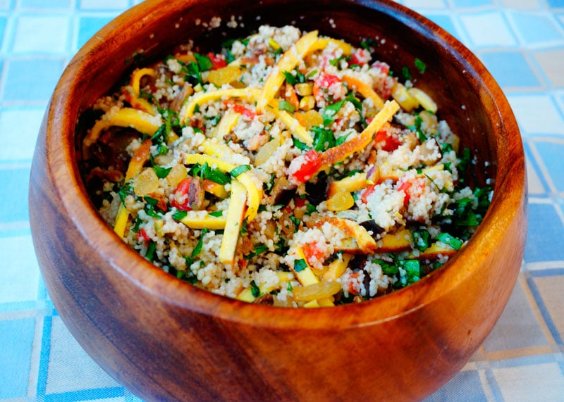 Рецепт Теплый салат из кус-куса и омлета фото