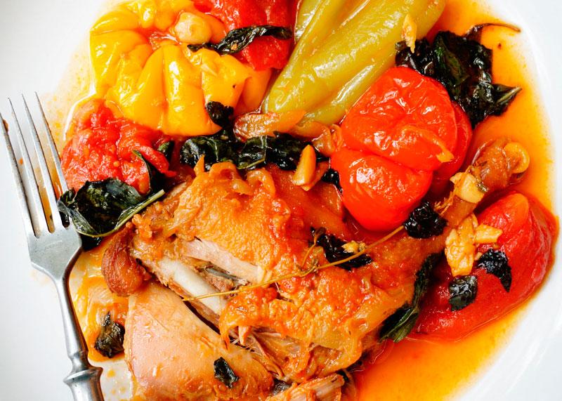 Цыпленок тушеный с перцем рецепт фото