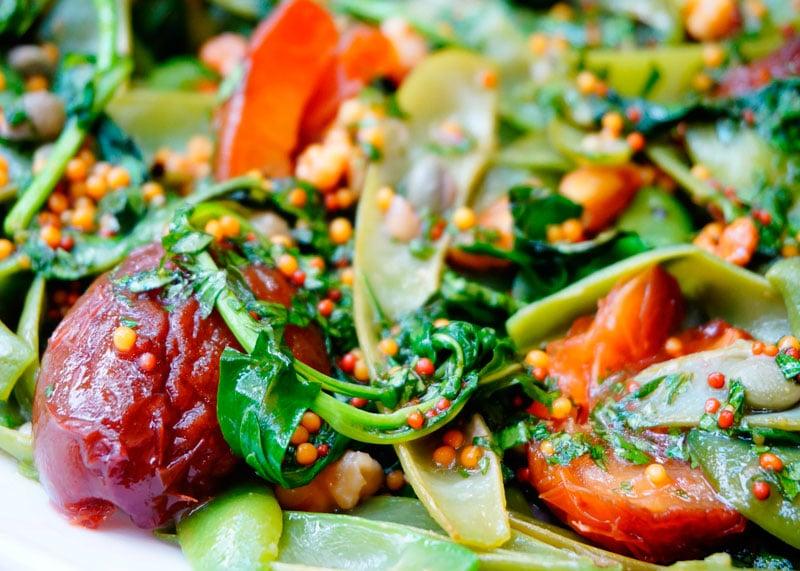 Зеленая фасоль с маринованными сливами рецепт фото