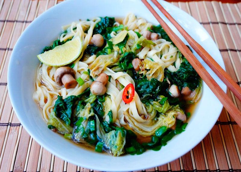 Ароматный овощной суп с лапшой рецепт фото
