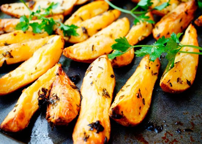 Картофель с розмарином и тимьяном рецепт фото