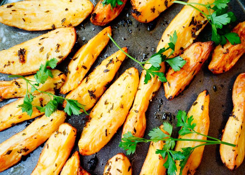 Картофель с розмарином и тимьяном фото