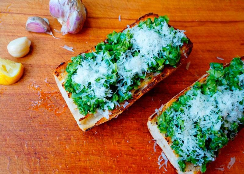 Кростини с зеленой фасолью фото