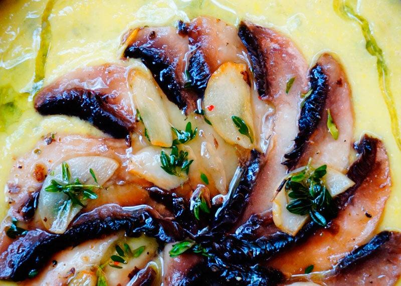 Кукурузный суп с маринованными грибами фото