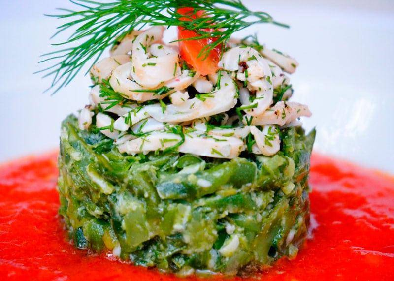 Салат из кальмаров и укропа приготовление фото